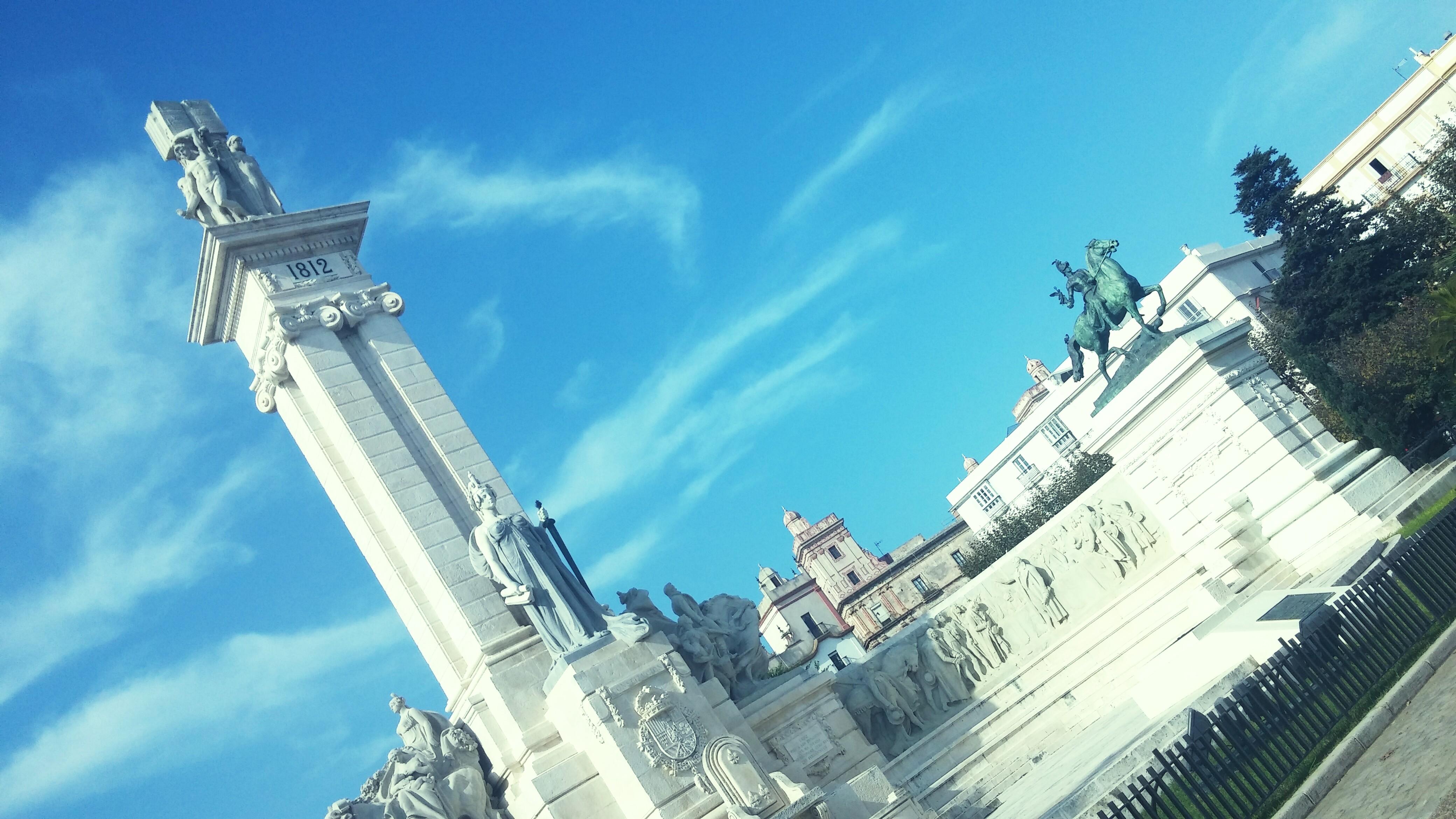 The Plaza de España in Cádiz