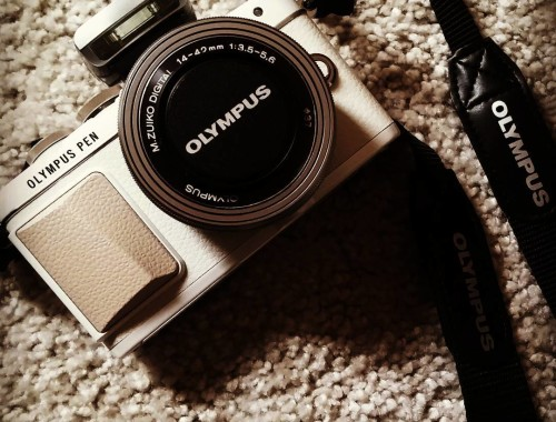 Birthday present! So love my new cam ❤  #olympus #olympuspen #epl #lifestyleblogger #lifestyleblog #fashionblogger #blogger